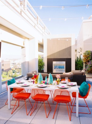 Featured on Style Me Pretty: DTLA Rooftop Christmas Inspiration